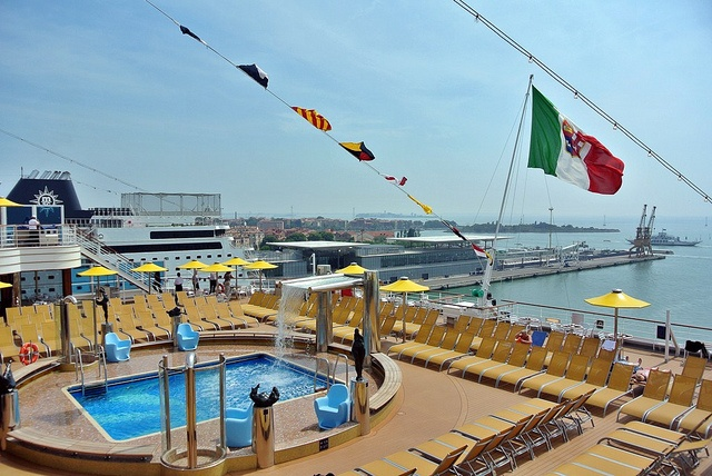 Costa Fascinosa by Dream Blog, via Flickr