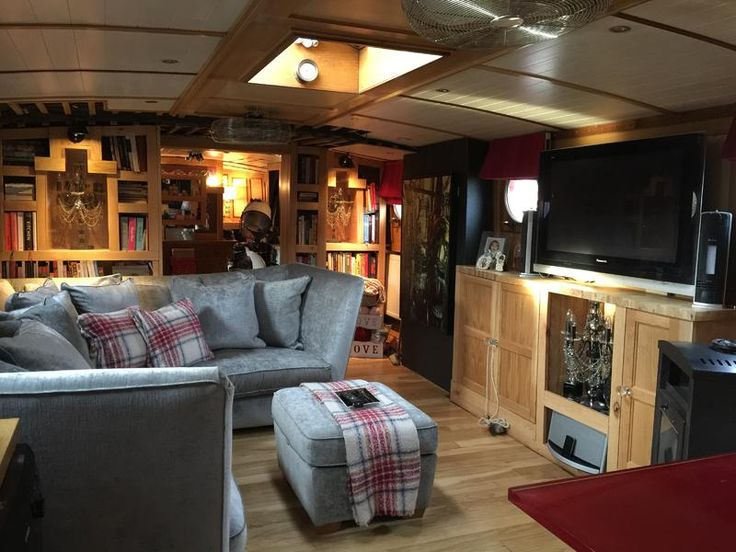 Jonathan Wilson 60 Widebeam for sale UK, Jonathan Wilson boats for sale, Jonathan Wilson used boat sales, Jonathan Wilson House Boats For Sale Beautiful contempary riverboat 60ft - Apollo Duck