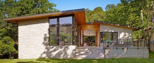 Proiect de design – casă modernă din lemn și piatră