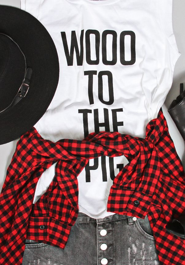 woooo to the pig! arkansas gameday outfit shopriffraff.com
