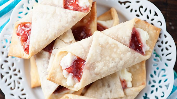 Strawberry Cream Cheese Mini Wraps