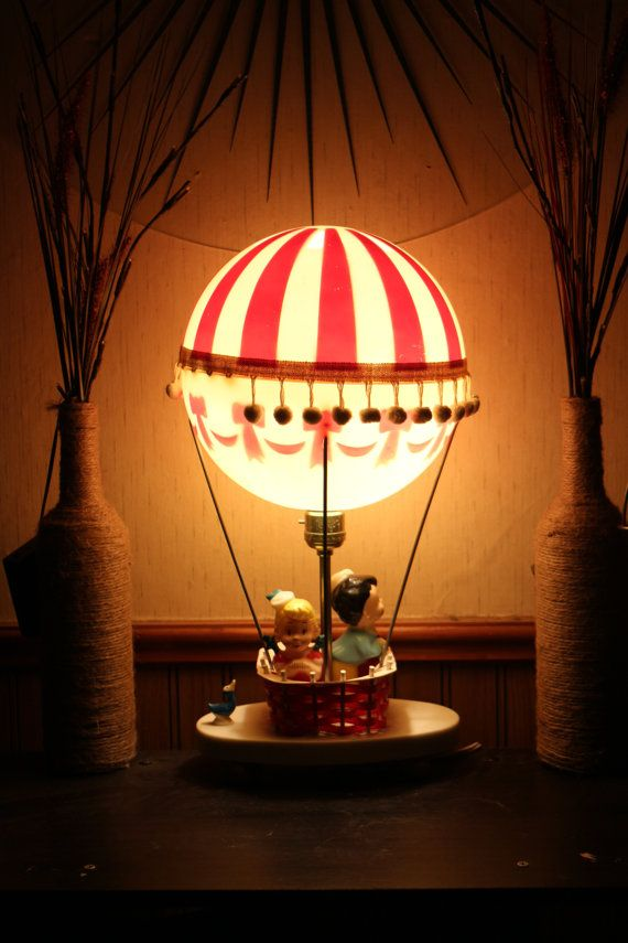 Il Dolly giocattolo Co. Vintage Hot Air Balloon di GoodUsedGoods
