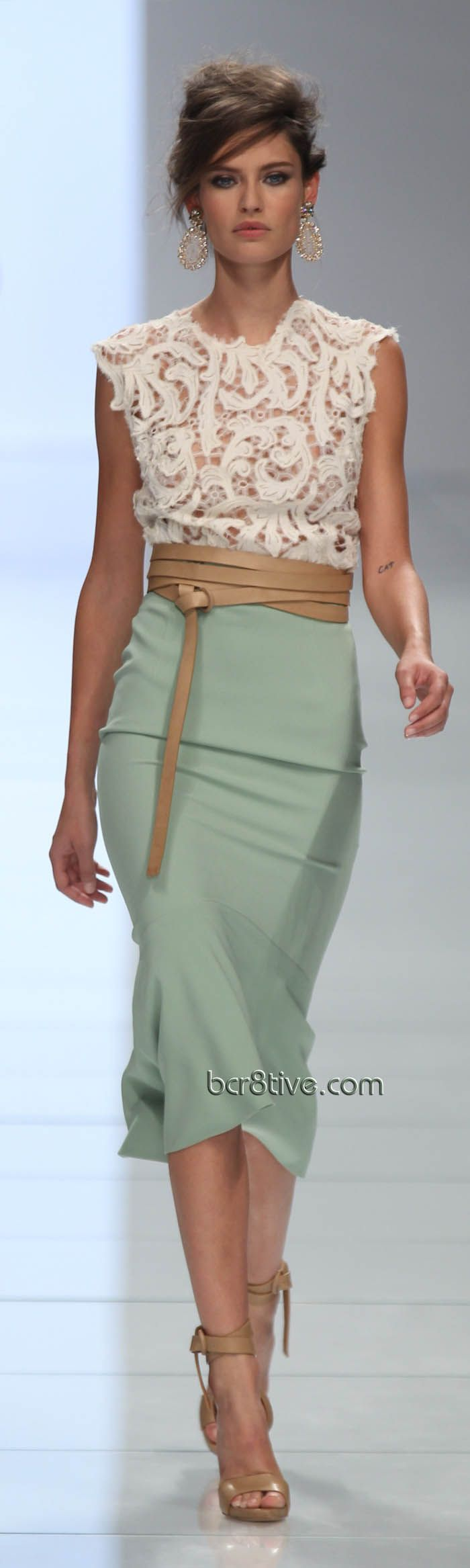 Ermanno Scervino love the mint and nude and guess what?  The CAbi Spring 2013 line includes these minty fresh ideas - the New Pencil Skirt in Jordan Almond and the Front and Center too.
