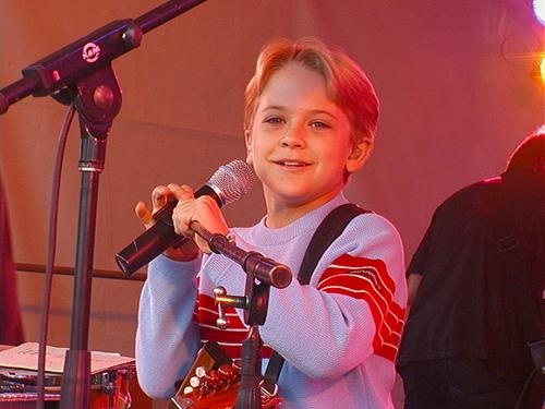 little hunter hayes its country time pinterest