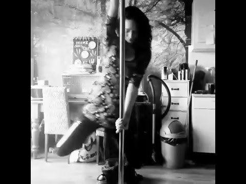 Some moves on the pole 1 #dancing #poledancing #havingfun #skinny #blackandwhite #sexy #fun