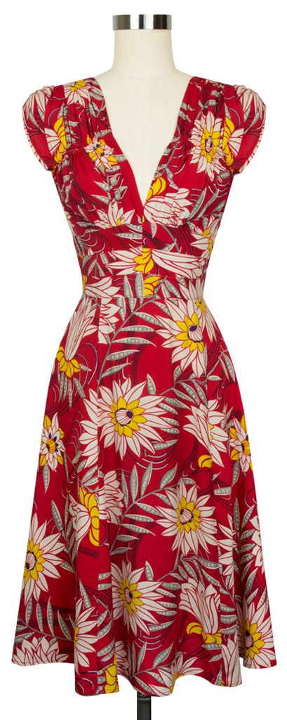 Everyones favortie Trashy Diva 1940's Dress is now available in Red Waterlilies!