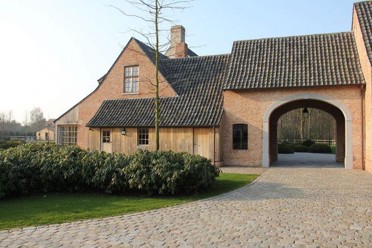 Architecten Peter Bovijn en Sophie Watelle, woningen – nieuwbouw – renovaties – restauraties, zowel traditioneel landelijke stijl als…