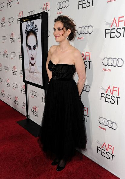 "Winona Ryder Photo - AFI FEST 2010 Presented By Audi - ""Black Swan"" Closing Night Gala - Red Carpet"