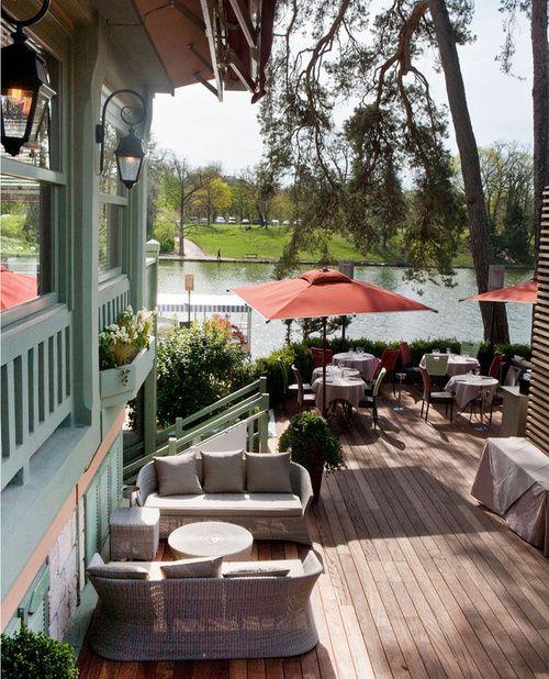 Le Chalet des Iles, lac inférieur du bois de Boulogne (Paris 16). http://www.vanityfair.fr/