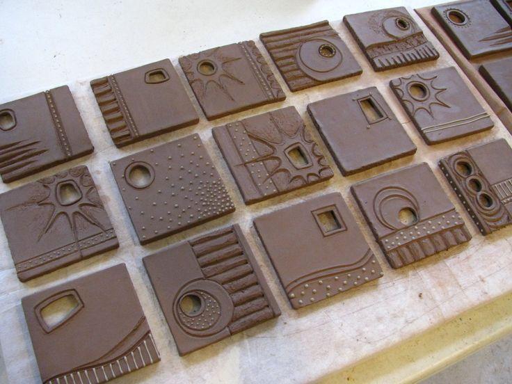 resultado de imagen para como hacer un mural creativo de ceramica