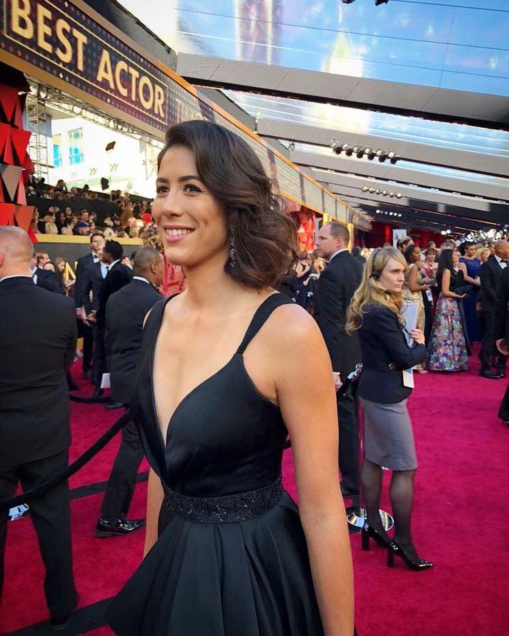 "70.3k Likes, 678 Comments - Garbiñe Muguruza (@garbimuguruza) on Instagram: ""Hola Oscars red carpet ❤️"""