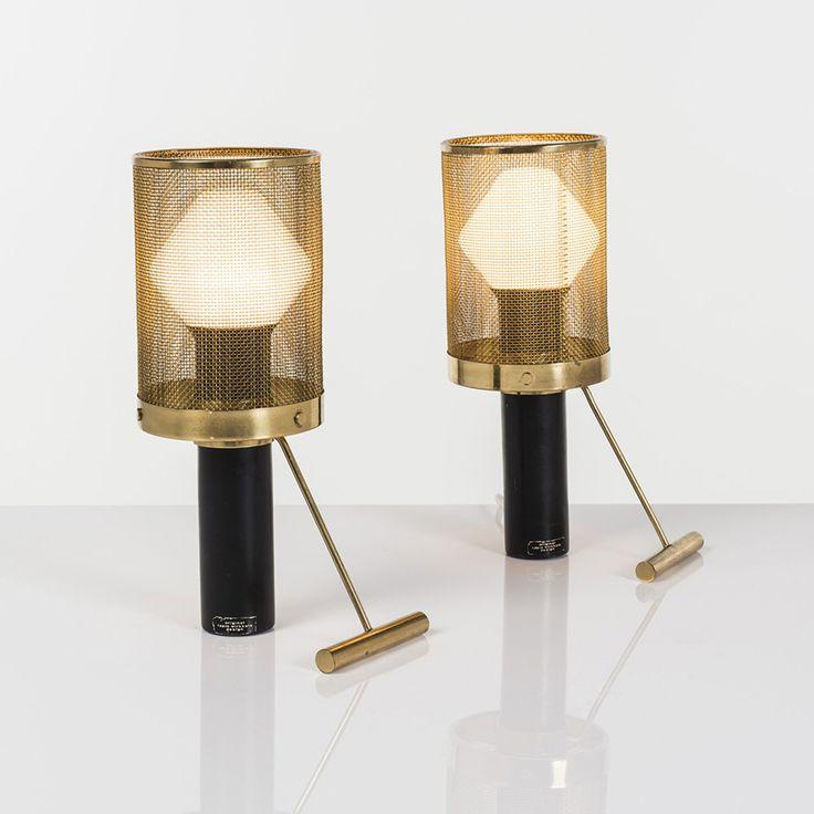 Tapio Wirkkala (1915-1985) Modèle K11-81 Paire de lampes à poser Laiton et métal laqué Edition Idman Etiquettes Date de création : vers 1960 H 31 × L 10,5 × P 17,5 cm