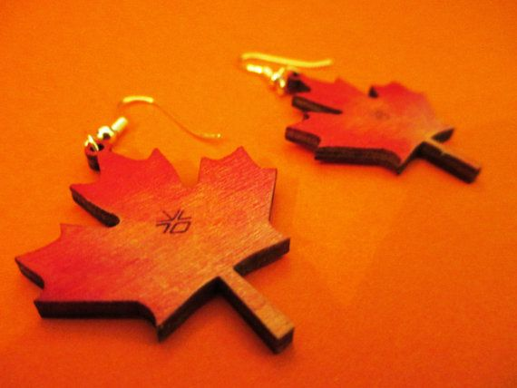Originals wooden earrings shape of CANADIAN by CreazioniDalCelo
