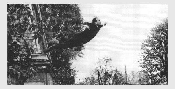 Ив Кляйн / «Le Saut dans le vide» («Прыжок в пустоту») / 1957