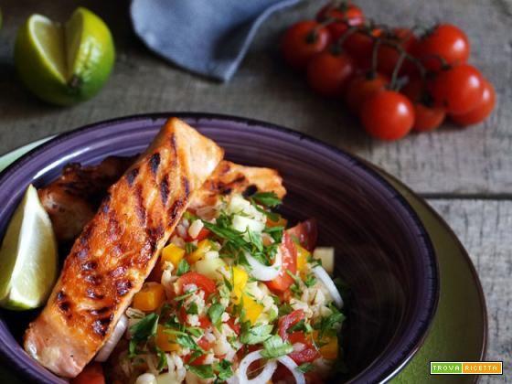 Essenza: Salmone grigliato con insalata di orzo e verdure  #ricette #food #recipes