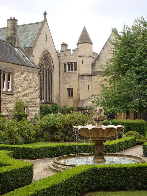 Harris Manchester College in Oxford with fountain in foreground by CameliaTWU, via Flickr
