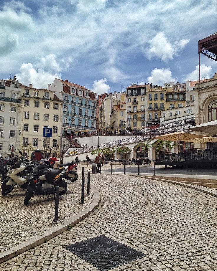 What is like going to #work in #lisbon, #portugal @uniplaces
