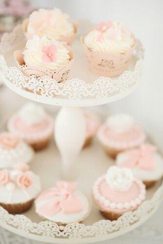 Cupcake rose romantik etagere