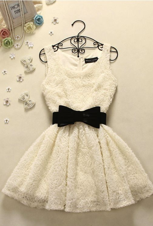 Cute prom dress ^this is definitely NOT a prom dress...