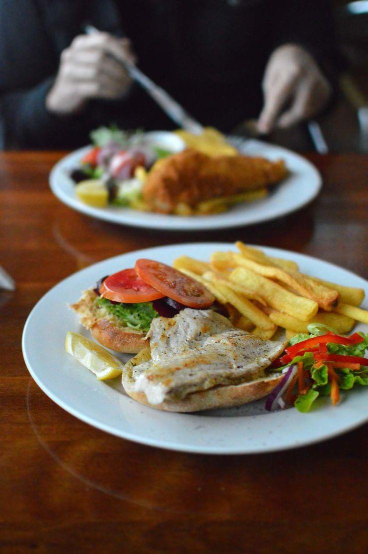 Fish burger at Zac's Place, Currarong | heneedsfood.com
