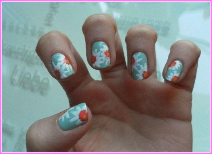 Floor's world: Tutorial: Daisy Nails