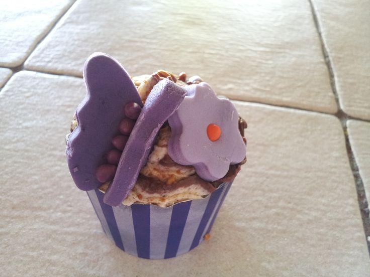 bailey cupcake with hazelnut buttercream