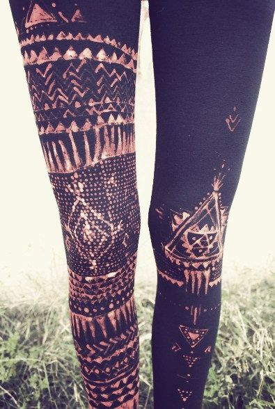 DIY: Drawing on your leggings with bleach = Amazing.