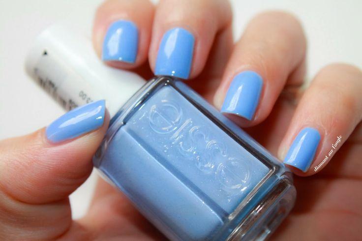 ☼ Bikini So Teeny, le bleu ciel by Essie by diamant sur l'ongle