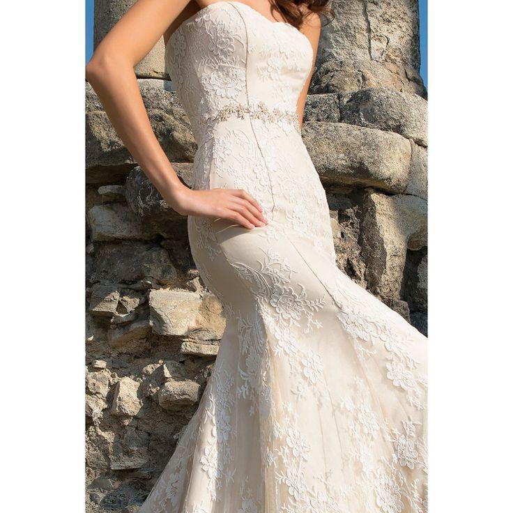 Enid - honosné svadobné šaty s čipkou a kamienkovým opaskom