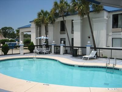 Fort Walton Beach (FL) Regency Inn Hotel United States, North America Regency Inn Hotel is a popular choice amongst travelers in Fort Walton Beach (FL), whether exploring or just passing through. The hotel offers a wide range of amenities and perks to ensure you have a great time. To be found at the hotel are car park, pets allowed, smoking area, Wi-Fi in public areas, business center. Guestrooms are designed to provide an optimal level of comfort with welcoming decor and conv...