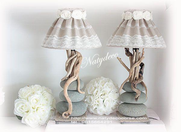 Les 25 meilleures id es de la cat gorie lampe galet sur for Decoration bois flotte galet