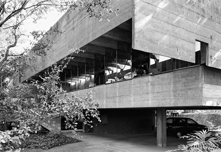 Casa no Butantã - São Paulo, Brasil / Paulo Mendes da Rocha e João de Gennaro