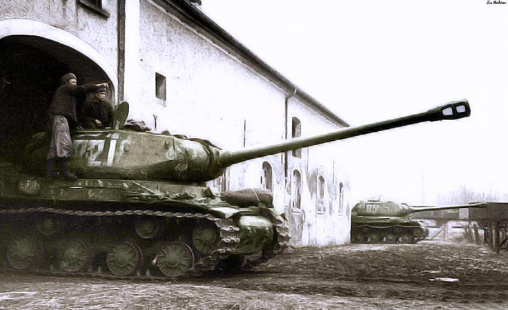 Soviet heavy tank IS-2 in ambush. 1st Belorussian Front 1945