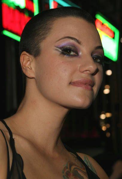 Bald Female Porn 30