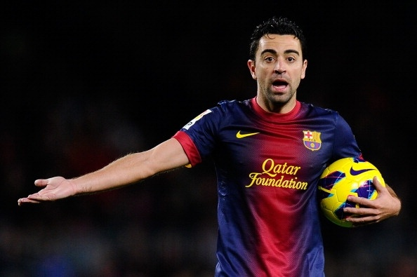 """bóng đá: Xavi rên rỉ: """"Đáng ra Ronaldo đã phải nhận 1 thẻ vàng"""""""