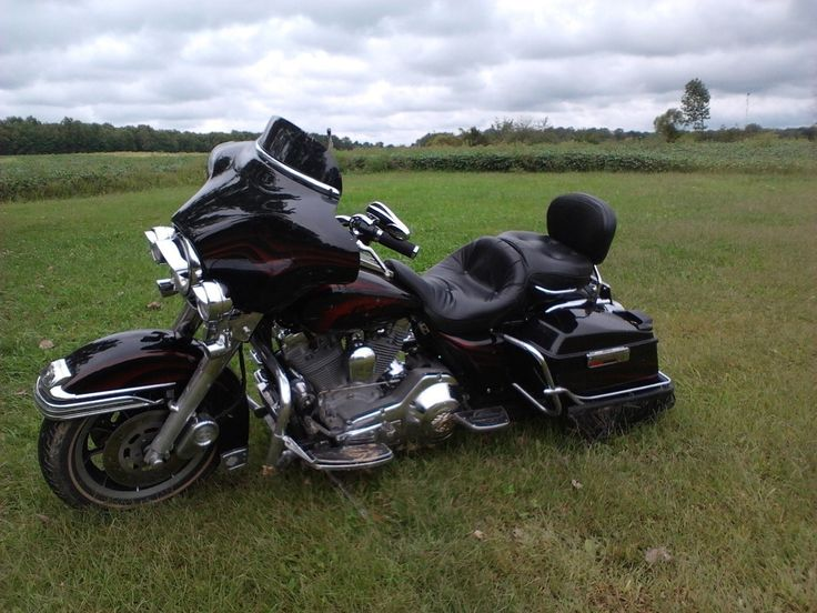 Check out this 1993 Harley-Davidson Electra Glide ULTRA CLASSIC listing in Elyria, OH 44035 on Cycletrader.com. It is a Touring Motorcycle and is for sale at $8000.