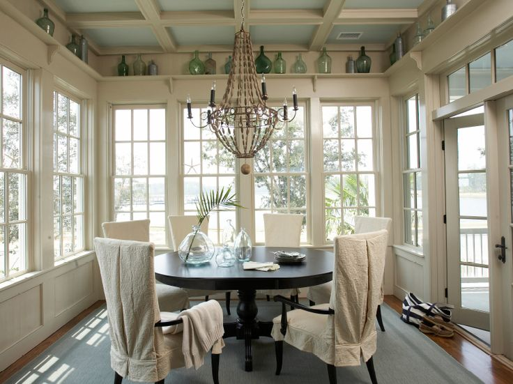 tammy connor interior design sunroom with tan walls paint color blue ceiling - Sunroom Dining Room
