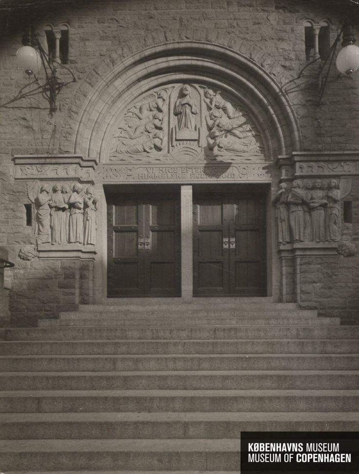 Eliaskirkens portal i 1915.