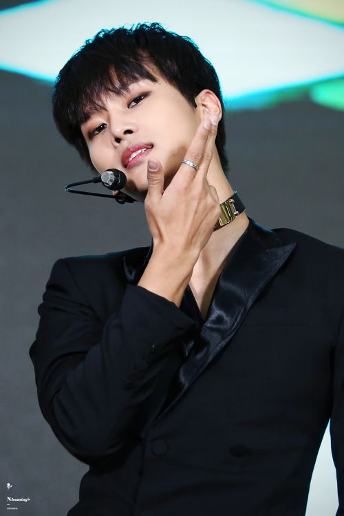 VIXX cha hakyeon why are you so hella good looking?!