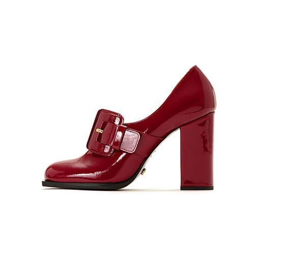 Viktor&Rolf szerint továbbra is velünk maradnak a széles talpú cipők.
