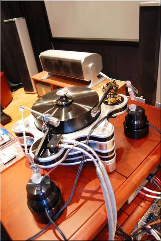 Hanss Acoustics turntable with Zensati No.1 phono cable