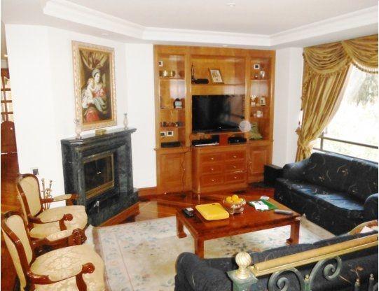 Código: 47580 Estado: Usado País: Colombia Departamento: Cundinamarca Ciudad: Bogota D.C. Zona: Montearroyo Tipo de Inmueble: Apartamento Tipo de Negocio: Vender Área Construida: 392 M2 Alcobas: 4 Baños: 6 Garaje: 5 Estrato: 6 Administración: $1.500.000 - Precio Inmueble - $2.300.000.000 - Precio x M2 - $5.867.347/M2