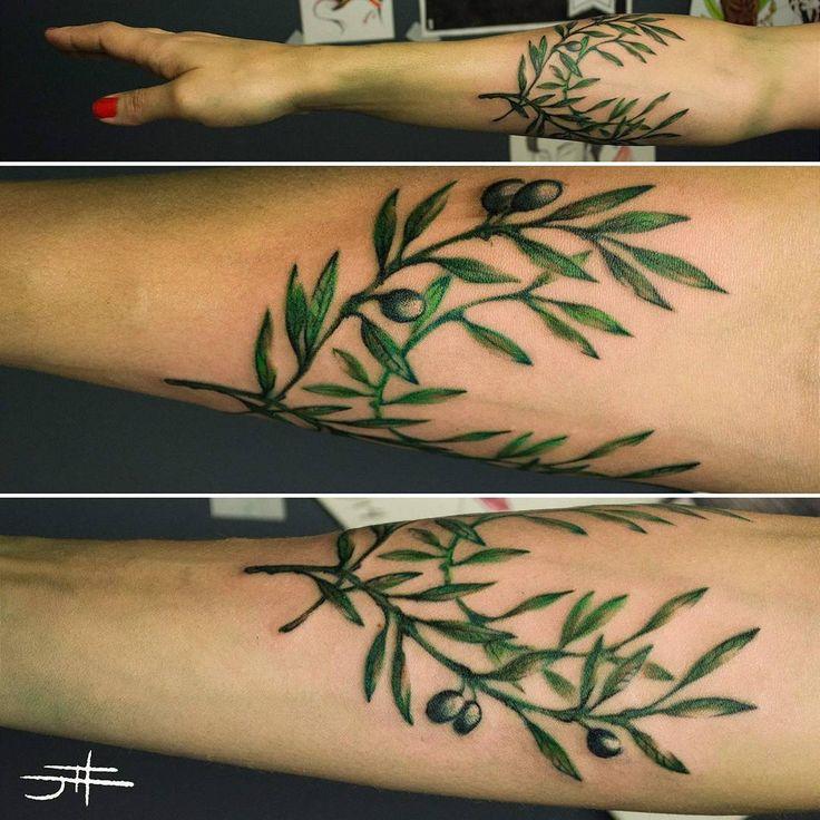 Olive branches #tat #tattoo #tatuagem #ink #inked #johndois #tattrx #equilattera #electricink #fkirons #swissrotary #dankubin #olive #olivebranch #oliveira