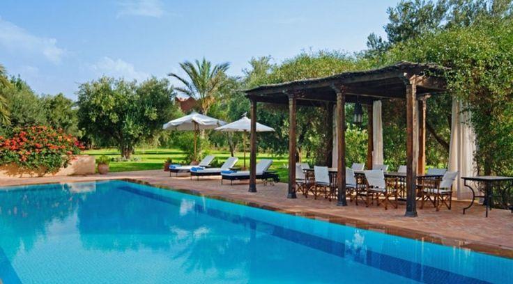 Villa Damali is een luxe vakantievilla te Marrakech met tennisbaan en een verwarmd zwembad geschikt voor 12 personen en rolstoelgebruikers