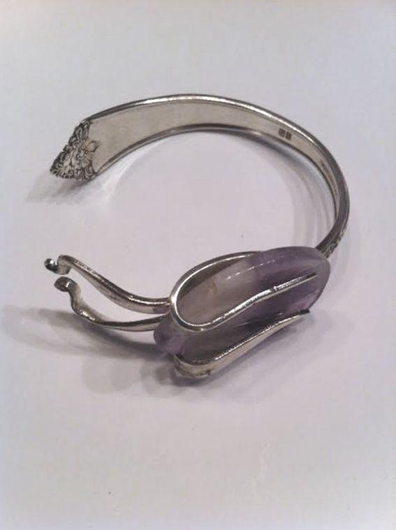 Besteksieraad met Amethyst edelsteen van Sizfashion ( Fork jewelry with Gemstone )