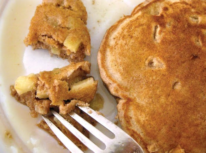 Whole Wheat Apple Cinnamon Pancakes by lillyella: No special ingredients! #Pancakes #Apple_Cinnamon #lillyella