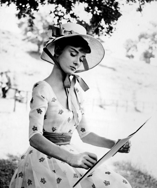 Audrey Hepburn: Hats, Vintage, Audrey Hepburn, Peace, Style Icons, Audreyhepburn, The Dresses, Photo, People