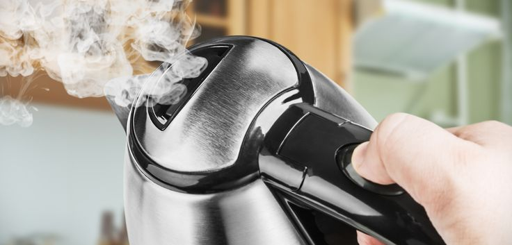 Wasserkocher entkalken: 4 Hausmittel gegen Kalk