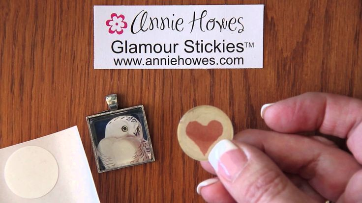 Making Glass Photo Jewelry Using Glamour Stickies