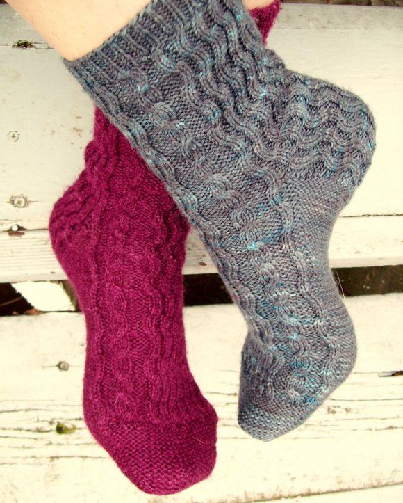 Crosswaves sock :free pattern from Knitty